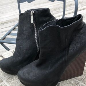 Matiko wedge bootie. Size 10 leather